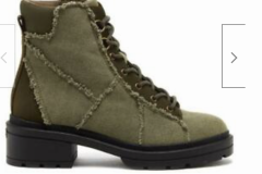 Green canvas boots goes with jeans