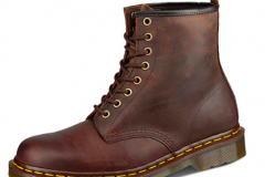 Burgandy brown leather workboot goes with jeans