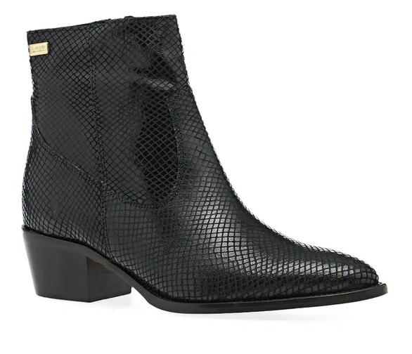 black ankle boot goes with jeans